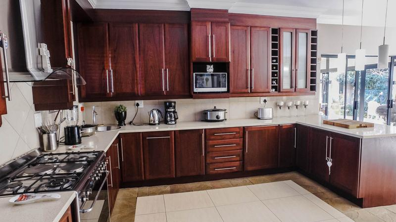 Property For Sale in Midlands Estate, Centurion 12
