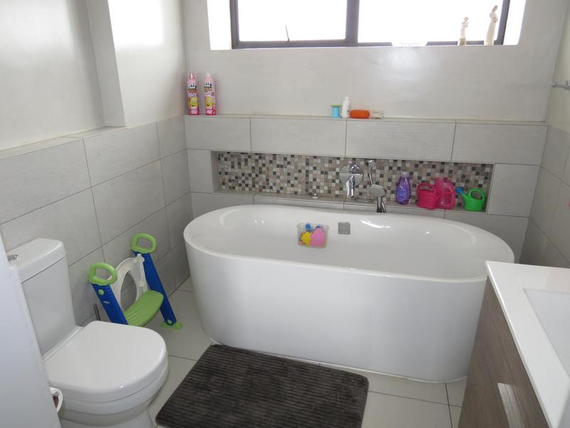 Property For Sale in Midstream Ridge, Centurion 12