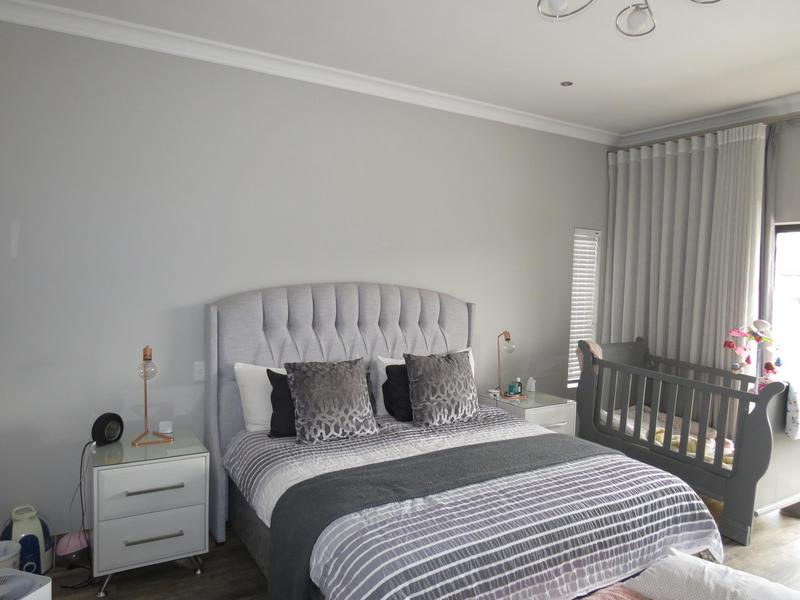 Property For Sale in Midstream Ridge, Centurion 16