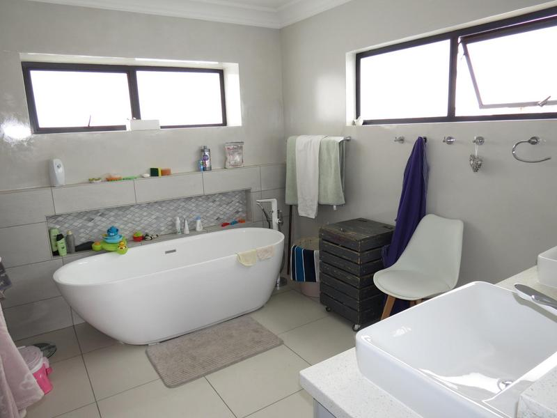 Property For Sale in Midstream Ridge, Centurion 17