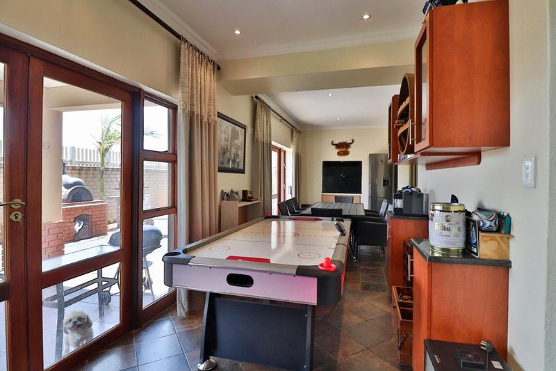 Property For Sale in Midfield Estate, Centurion 15