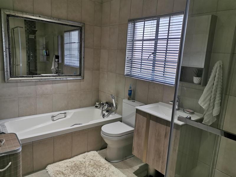 Property For Sale in Highveld, Centurion 6