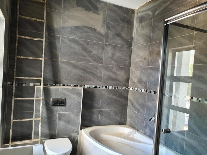 Property For Sale in Midfield Estate, Centurion 40