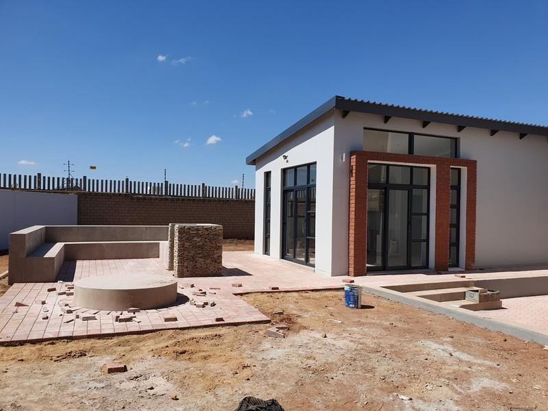 Property For Sale in Midfield Estate, Centurion 42