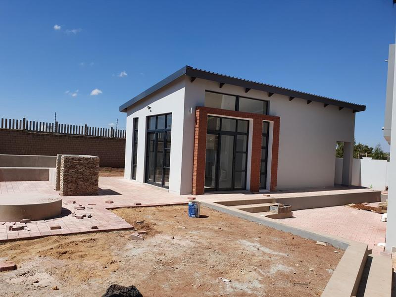 Property For Sale in Midfield Estate, Centurion 43